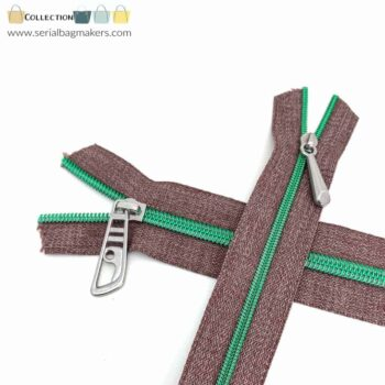 Zipper by the yard #5 - Chestnut tape with lagoon green coil