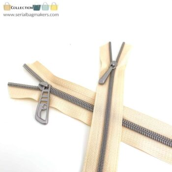 Zipper by the yard #5 - Offwhite tape with nickel coil